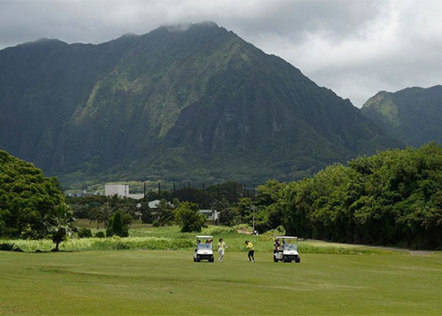 Golfers take to Bay View Golf Course in Kaneohe